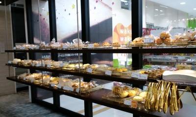 カフェ・デ・パン ファータ(FARTA) 沖縄小禄店の店内雰囲気1