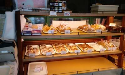 焼き立てのパン シモンベーカリー 店内1