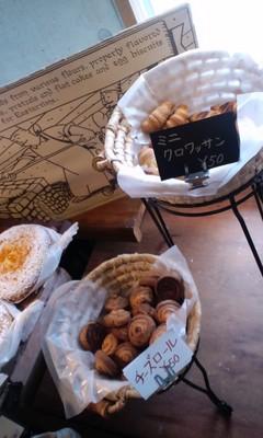 パリのパン屋さんボンジュール本店の店内雰囲気9