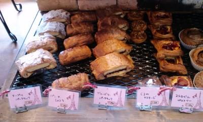 パリのパン屋さんボンジュール本店の店内雰囲気10