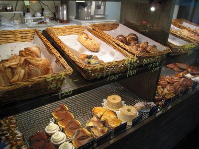 パリのパン屋 ボンジュールのパンコーナー1