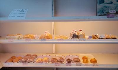 パンとケーキのお店エスピーガ・デ・オロのパンコーナー1