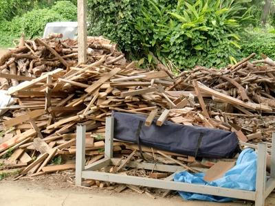天然酵母石窯パン 宗像堂(ムナカタドー ベーカリー)の石窯用まき