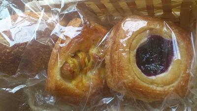 ベーカリー パンの木のパン1